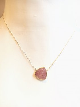 pimi necklace(strawberry quartz)