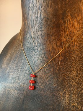 K18  deep  redcoral  three drop necklace