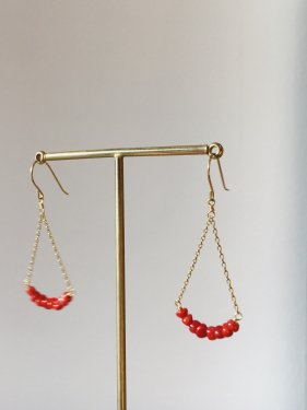 red coral UMAMUI fan pierced earrings