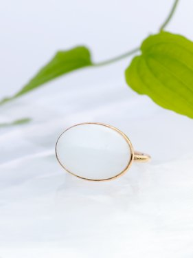【ドラマ衣装】maqusa Ring 〜white chalcedony〜