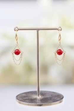 K18 red coral globe pierced earrings