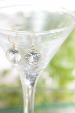 K18 round Japan quartz pierced earrings