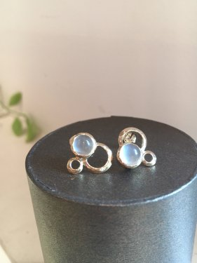 dell  pierced earrings 〜moonstone〜