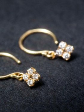 K18��diamond��clover��pierced earrings