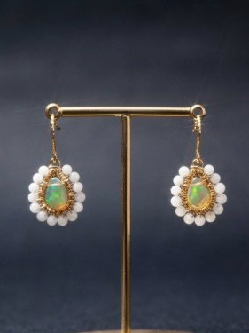 white coral �� opal DECO��pierced earrings��K18)