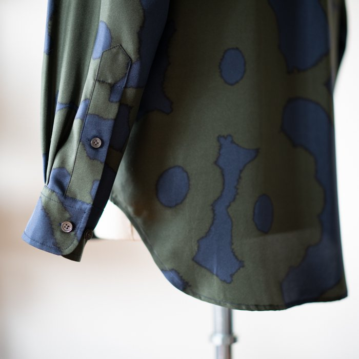 BANANATIME / SLIM GRANDAD SHIRT / BLEEDING FLOWERS GREEN