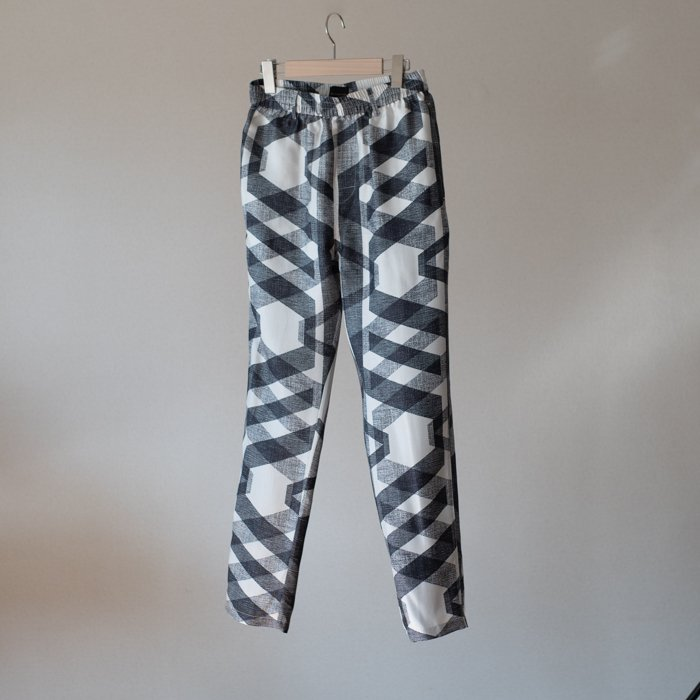 BANANATIME / TAPERED PANT / XOXO