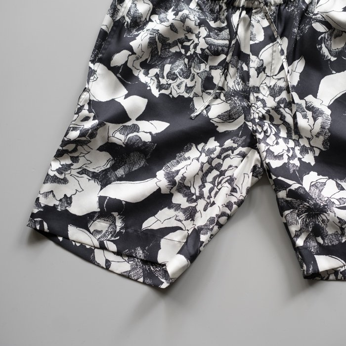 BANANATIME / RELAXED SHORT / YOUTH BLOOM BLACK