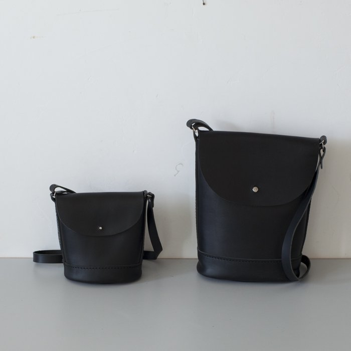 Les Moutons / THE FLAP BAG / Black