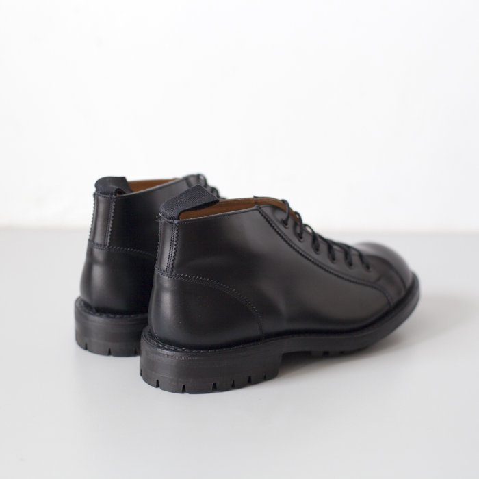 Quilp Shoes / M7350 Lace Up Boot / Black Box Calf