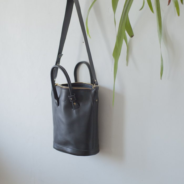 Les Moutons / THE CATWALK BAG SMALL / Black