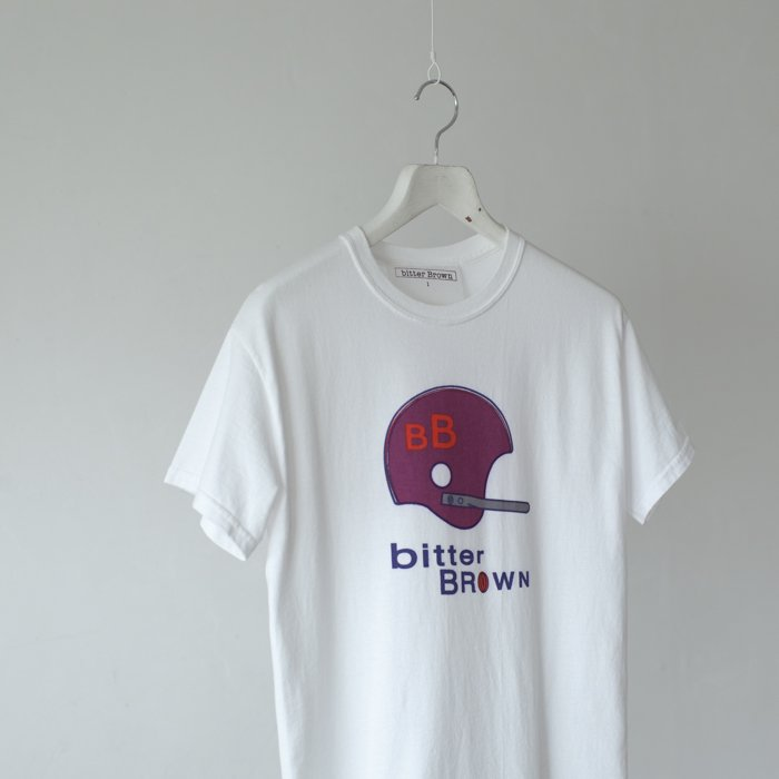 bitter Brown / College Helmet Tee / WHITE