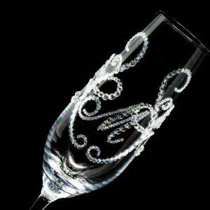 【シャンパングラス ティアラ×イニシャル 筆記体】 結婚祝い 誕生日 プレゼント ギフト スワロフスキー デコグラス