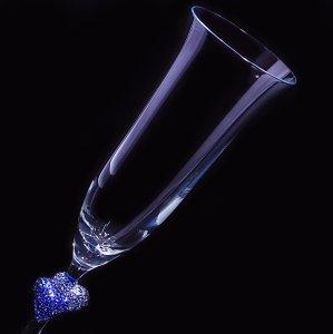 【シャンパングラス ペアハート サファイア】 結婚祝い 誕生日 プレゼント ギフト スワロフスキー デコグラス