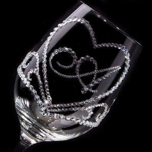 【赤ワイングラス ハートのティアラ&イニシャル】 結婚祝い 誕生日 プレゼント ギフト スワロフスキー デコグラス