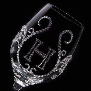 【白ワイングラス ティアラ&イニシャル ブロック体】 結婚祝い 誕生日 プレゼント ギフト スワロフスキー デコグラス