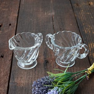 ビンテージ シュガー&クリーマー<br>イギリス製 持ち手がビーズのクリアガラス