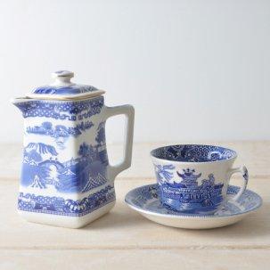 ヴィンテージ 四角いティーポット <br>【Ringtons】×【Wade Ceramics】 ブルーウィロー柄
