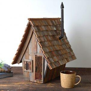 マナーハウスの物置小屋のミニチュア。バーンウッド製。