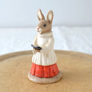 ROYAL DOULTON /ロイヤルドルトンバニキン<br>CHOIR SINGER BUNNIKINS DB223