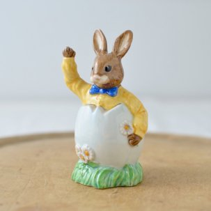 ROYAL DOULTON /ロイヤルドルトンバニキン<br>EASTER GREETINGS BUNNIKINS DB149
