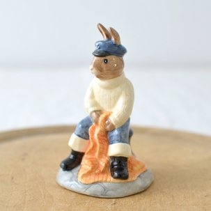 ROYAL DOULTON /ロイヤルドルトンバニキン<br> FISHERMAN BUNNYKINS DB170