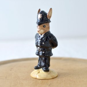 ROYAL DOULTON /ロイヤルドルトンバニキン<br> POLICEMAN BUNNYKINS DB64