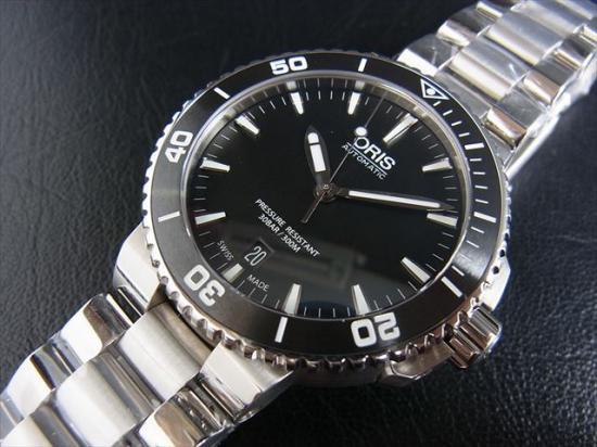 huge discount 53f87 b8064 ORIS AQIUS オリス アクイス デイト(40mm) - 腕時計 通販 虎ノ助 ...