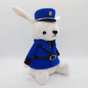 警察官うさぎ