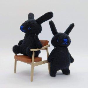 おやゆびうさぎ(黒)