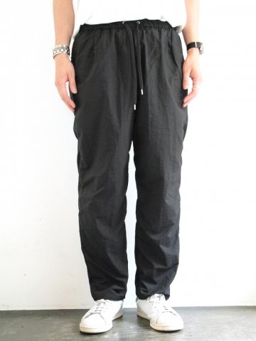 <img class='new_mark_img1' src='//img.shop-pro.jp/img/new/icons43.gif' style='border:none;display:inline;margin:0px;padding:0px;width:auto;' />Wallet Pants  packable:BLACK【 TEATORA 16 AW】