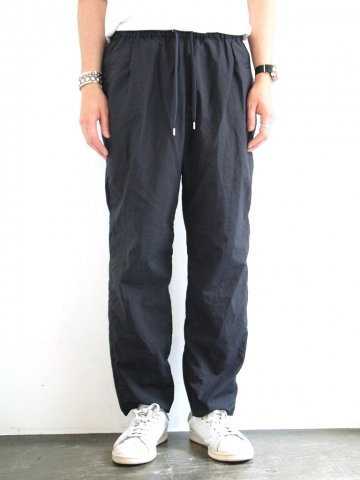 <img class='new_mark_img1' src='//img.shop-pro.jp/img/new/icons43.gif' style='border:none;display:inline;margin:0px;padding:0px;width:auto;' />Wallet Pants  packable:NAVY【 TEATORA 16 AW】