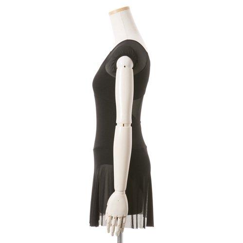 黒シフォンのスカート付きレオタードの後ろからの写真