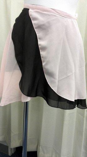 大人用リバーシブルバレエ巻きスカート ライトピンクブラック (フリーサイズ)の写真