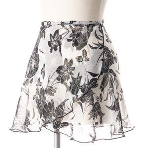 大人用バレエ巻きスカート 花柄 ホワイトブラック(フリーサイズ)の後ろからの写真