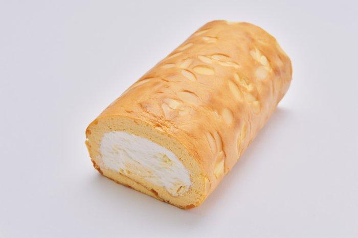 ベイクドチーズロール