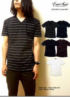 キレイ目デザインで使い勝手抜群の細ピッチボーダーVネックTシャツ!