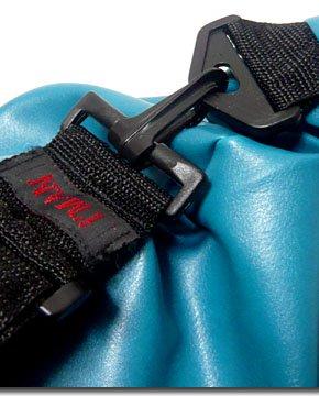 普段使いに大活躍!シンプルデザイン&大容量で使い勝手抜群のフェイクレザー2WAYドラムバッグ!