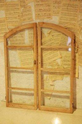 イギリス アンティーク アーチガラス窓・ペア・a
