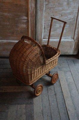 ラタン baby carriage(乳母車)