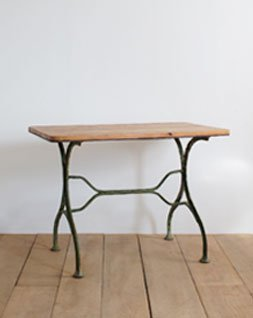 アイアンレッグテーブル