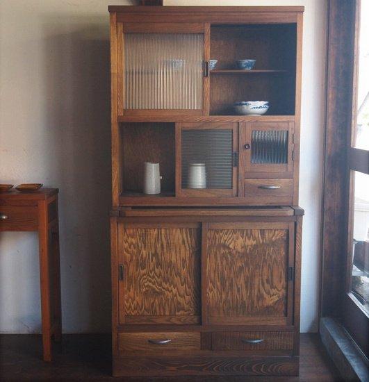 食器棚 / 小水屋
