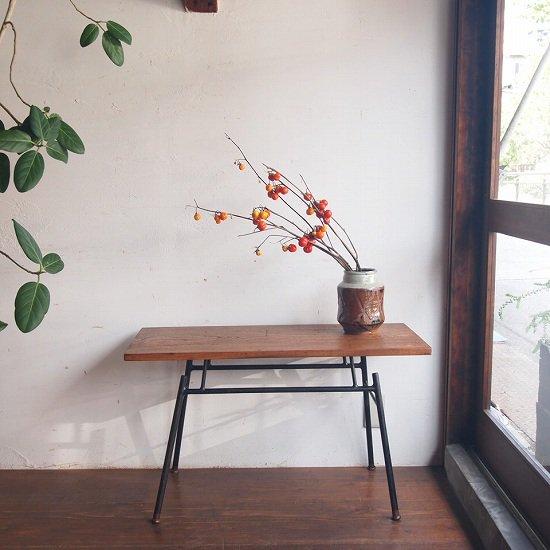 ティーテーブル(鉄脚)
