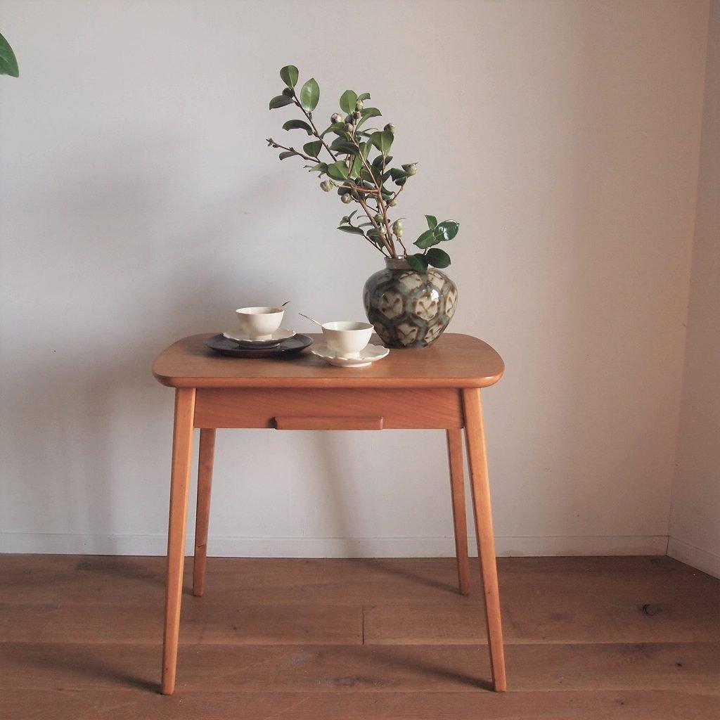 ティテーブル
