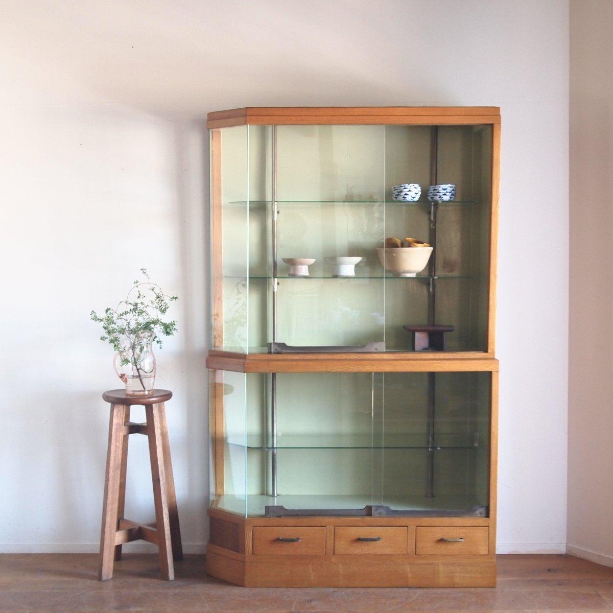 ガラスキャビネット/食器棚