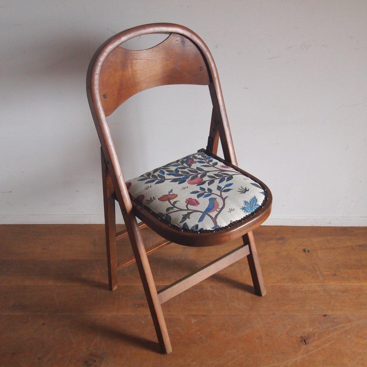 <img class='new_mark_img1' src='https://img.shop-pro.jp/img/new/icons14.gif' style='border:none;display:inline;margin:0px;padding:0px;width:auto;' />折り畳み椅子/William Morris
