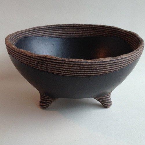 櫛目黒釉鉢