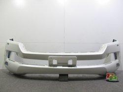 ランドクルーザー URJ202W/UZJ200W フロントバンパー 52119-60M50 5211960M50 トヨタ(85994)