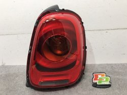 BMW ミニ/MINI F55/F56 右テールランプ/ライト/レンズ 7297414-13.(99619)