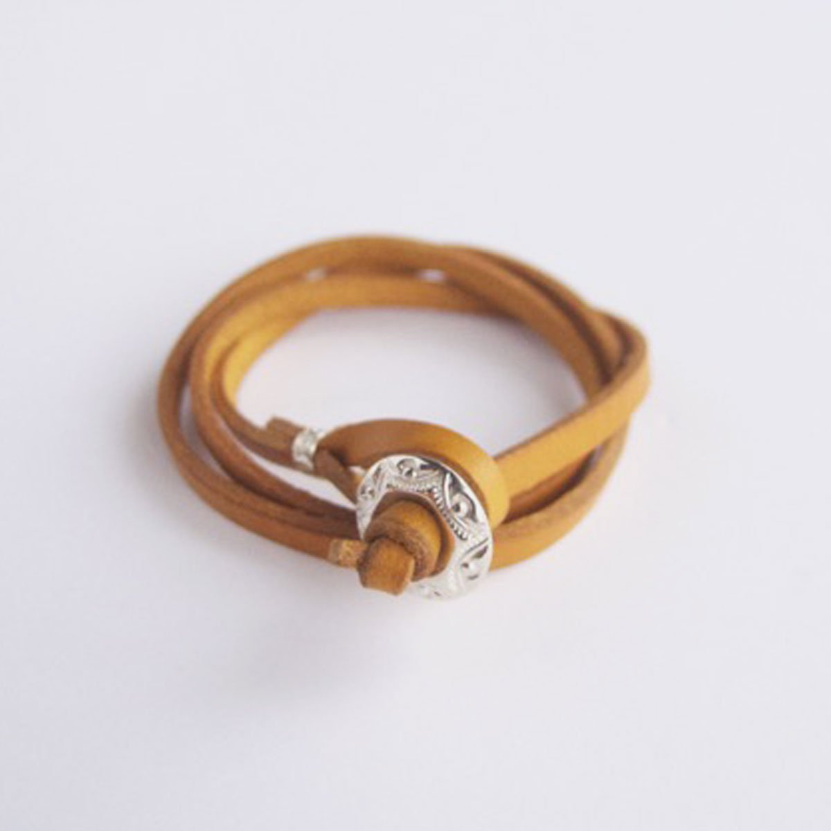 MOTO CONTEMPORARY NATIVE 3連LEATHER BRACELET (YELLOW)